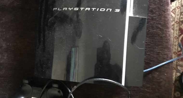 ps 3 like new with 3 consoles and more then 15 games kike new