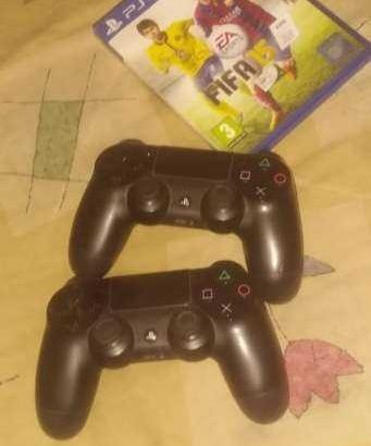 ps4 for sale good condtion and 2 joy stick and fifa 2015 but the 2 joystick ta3banen shway