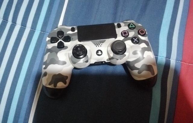 Used Ps4 Controller in good condition