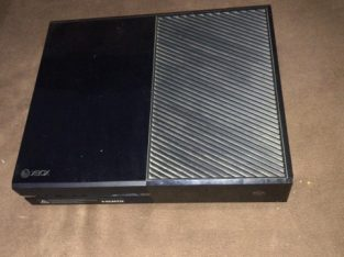 xbox one for sale in perfect condition and a very good price