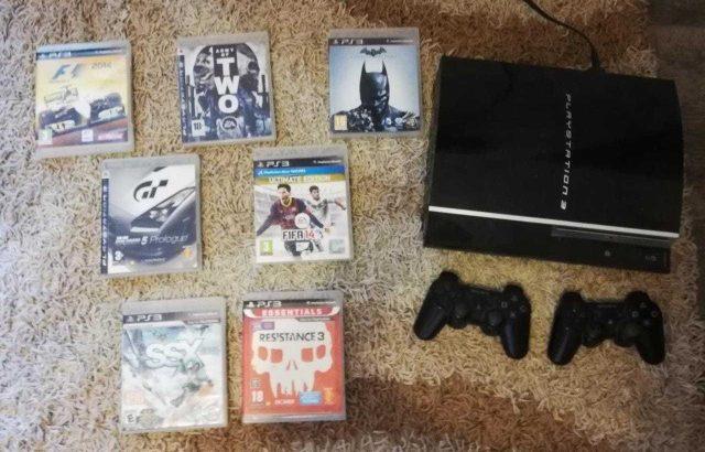 PS3+ 2 JOYSTICKS AND GAMES