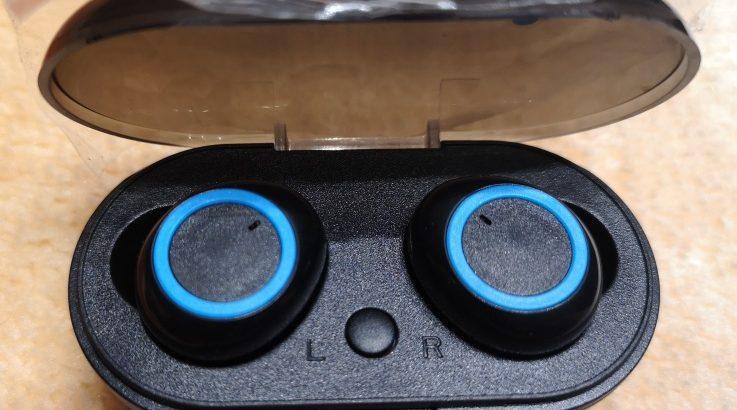 earbuds black