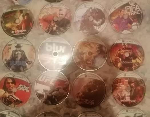 Xbox 360 S with 2 joystick original and updated for the latest version with many Games cd