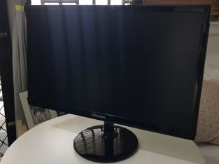 playstation 4 pro with monitor