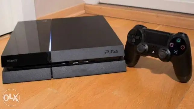 ps4 fat 500gb with many cd games
