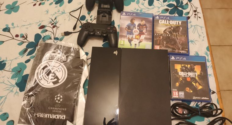 ps4 ela 4 snein madboube iste3mel 3 month bas wz 3 games 2 maske & stickrs & charg stand 200$